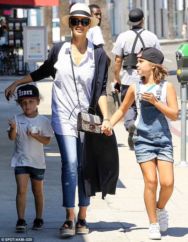 Jessica Alba daughters Honor, Haven