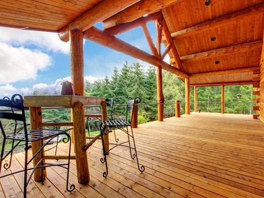 Holz Schutzdach
