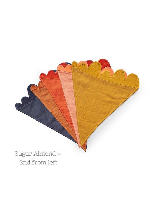 PLAY AT SLAEP Cuddle Cloth Sugar Almond