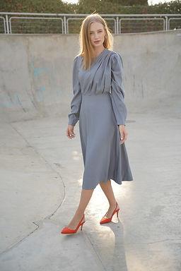 שמלת סלין בצבע תכלת מעושן