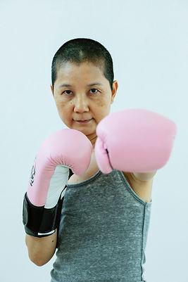 femme boxe cancer.jpg