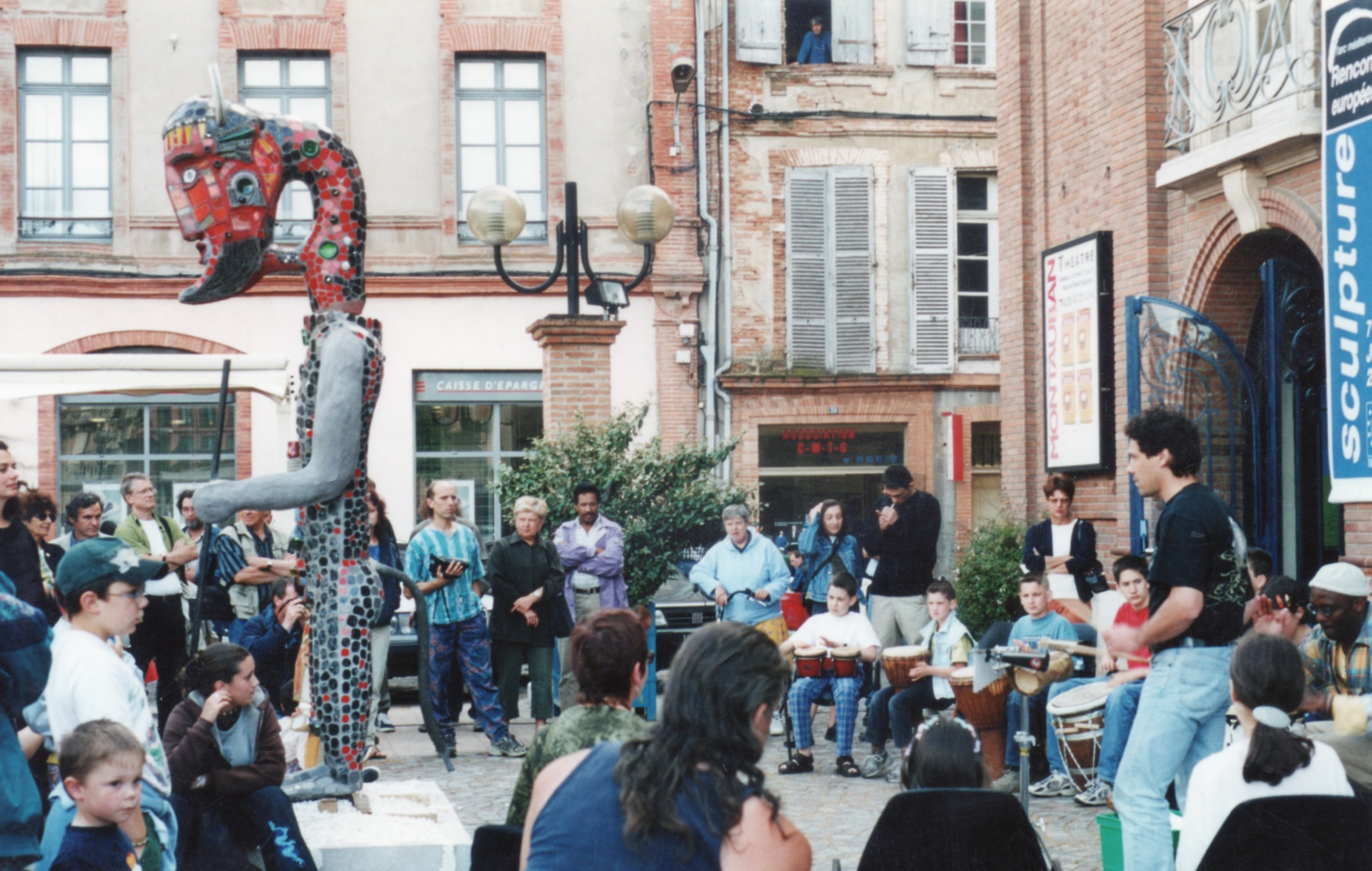 Le Minautore devant le Grand Théâtre à Montauban