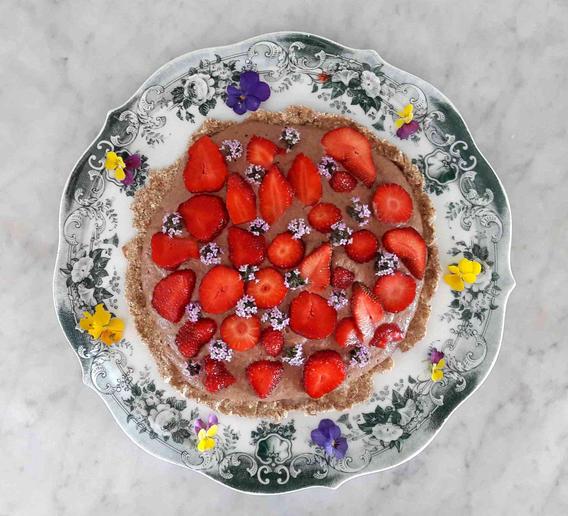 Erdbeeren auf Schokopudding