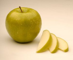 Nonbrowning GMO apple cleared for marketing
