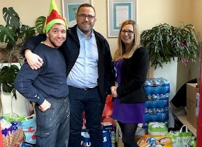 Supporting Whitechapel Centre with Food Donation
