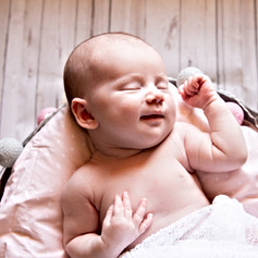 séance photo bébé nouveau né aurelie lacroix photographe hyeres toulon photographe mariage  photographe grossesse
