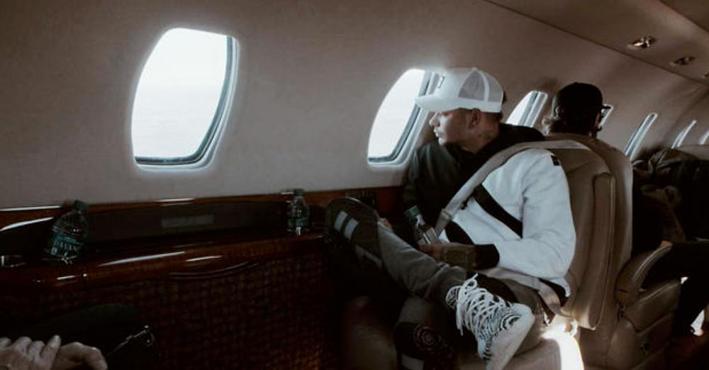 Kane Brown Private jet Grayscale Marketing Nashville