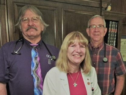 LOCAL DOCTORS NAMED GRAVETTE DAY PARADE CO-GRAND MARSHALS