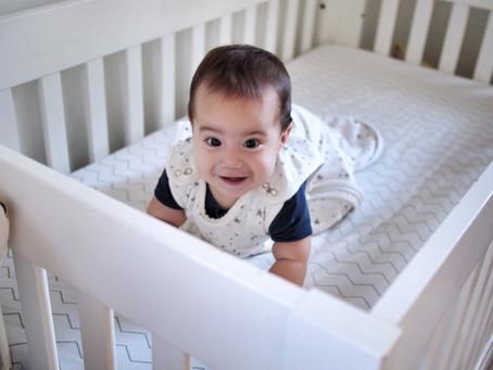 ¿Cuál es la forma más segura de hacer dormir un bebé?