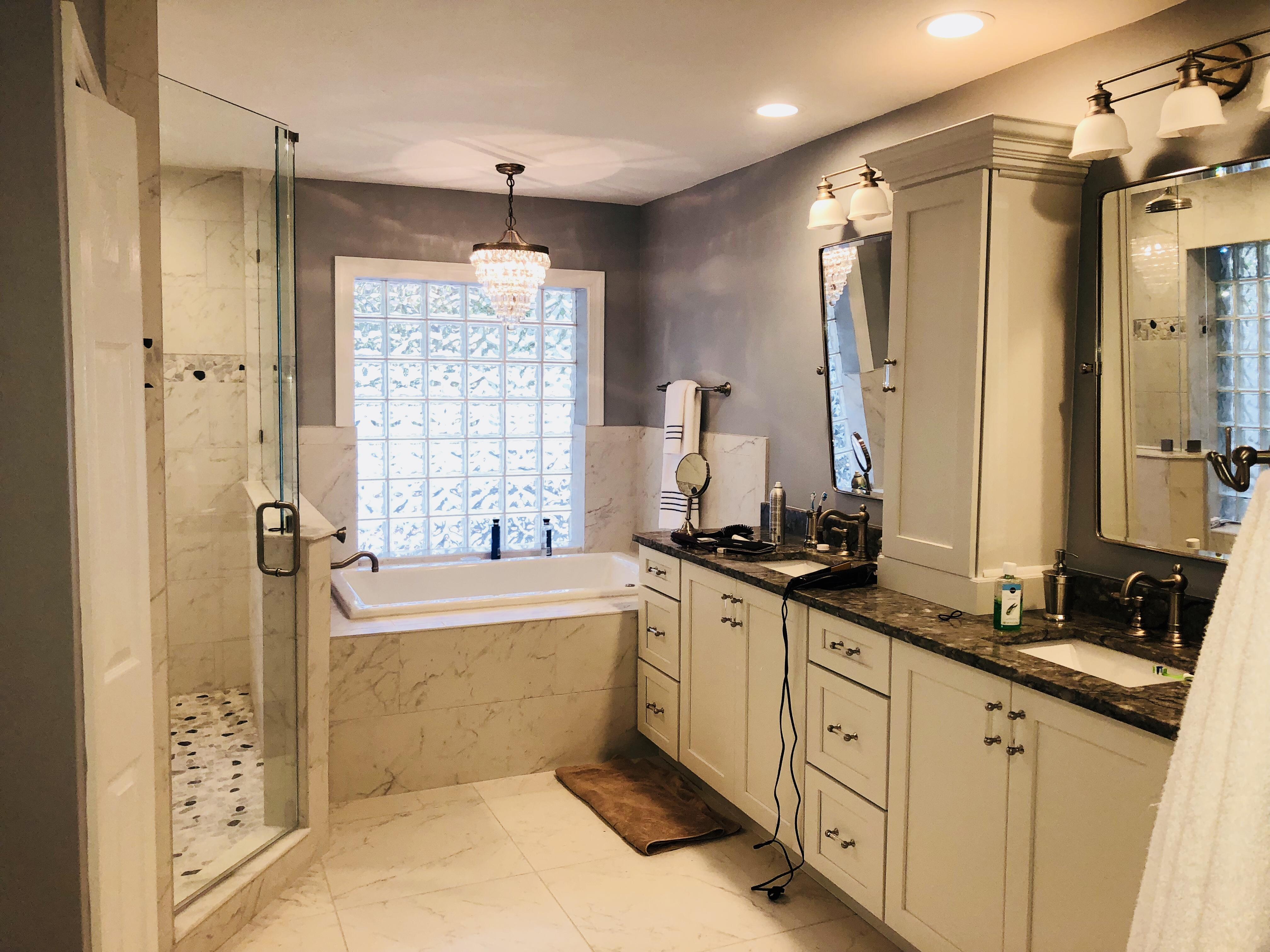 vanity/tub after