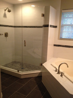 Master Tub/Shower After