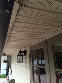 Vinyl Soffit Before