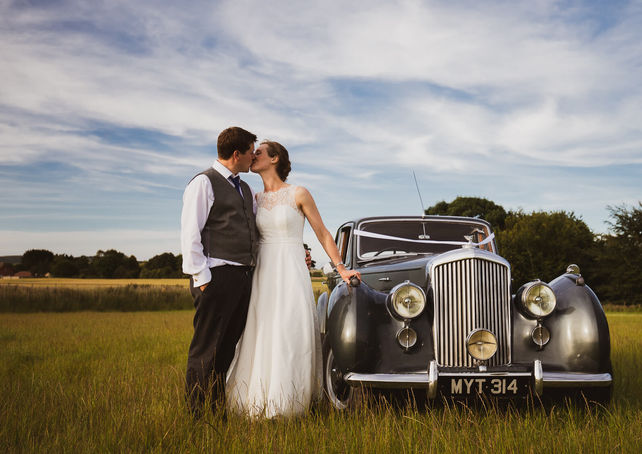 Wiltshire Wedding photographer, Bride and groom