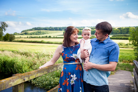 wiltshire family photographer, family photoshoot, salisbury family photographer, family photoshoot, family portrait