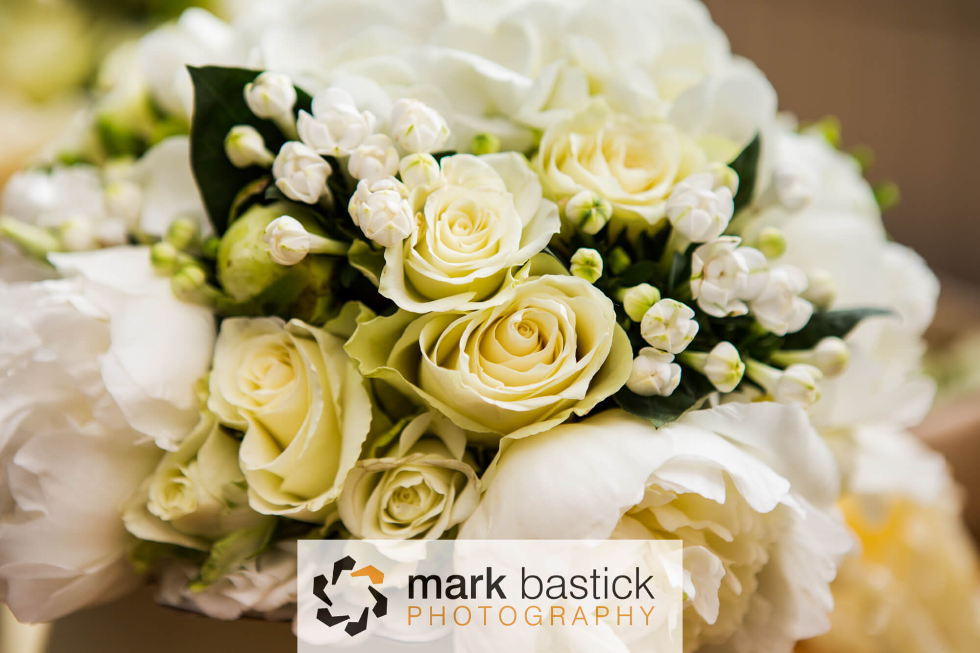 Wedding flowers, Salisbury wedding photographer