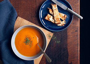 carrot soup with toast
