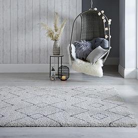 Cream Dakari rug with a grey Zig zag pattern, a Moroccan style rug