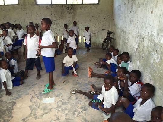 klaslokaal zonder banken.jfif
