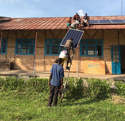 installatie zonnepanelen 1.jpg