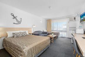 2019 twin room 2.jpg