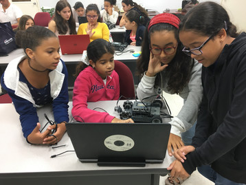 Girls brainstorming Robotics