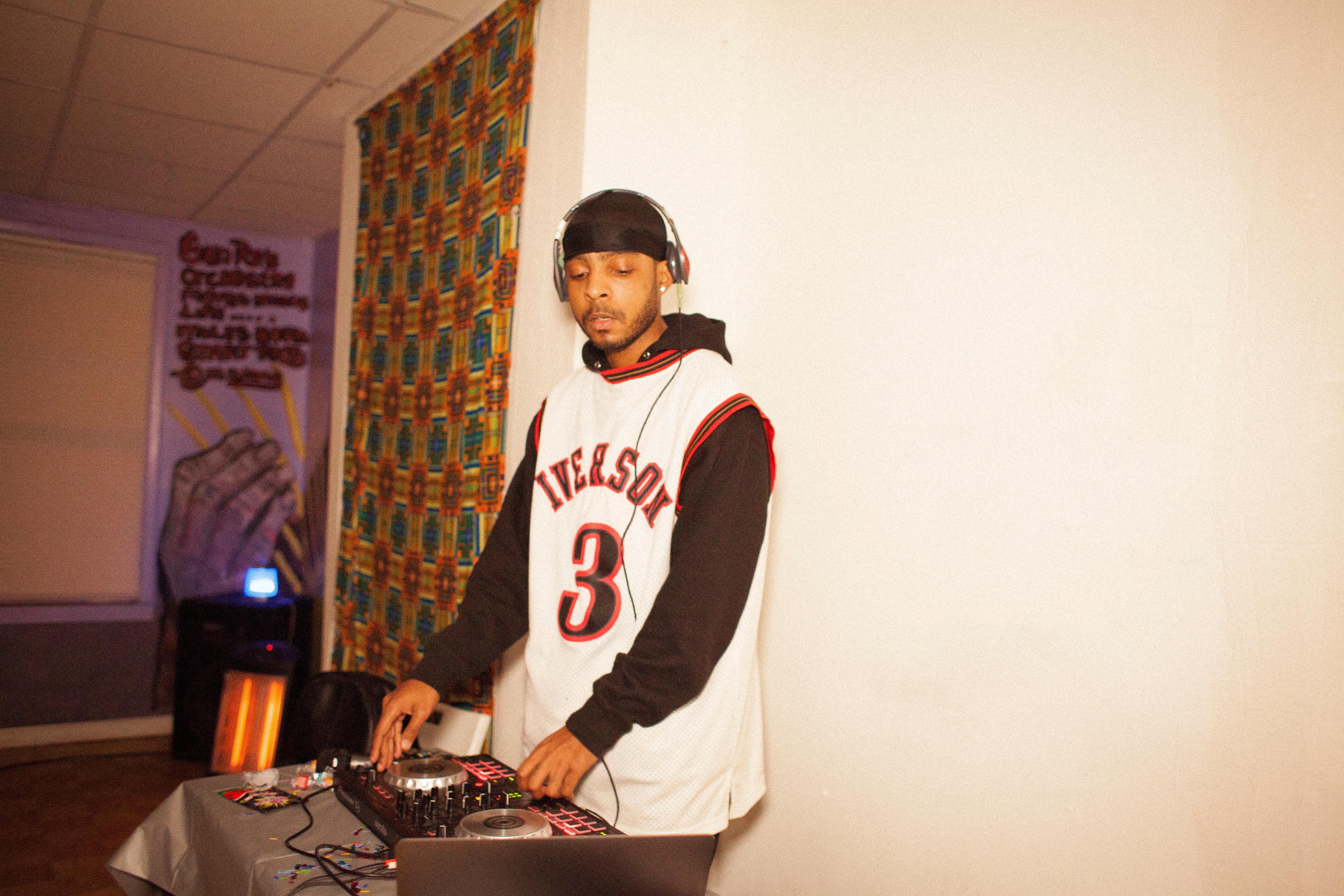 DJ (w/ Sound System)