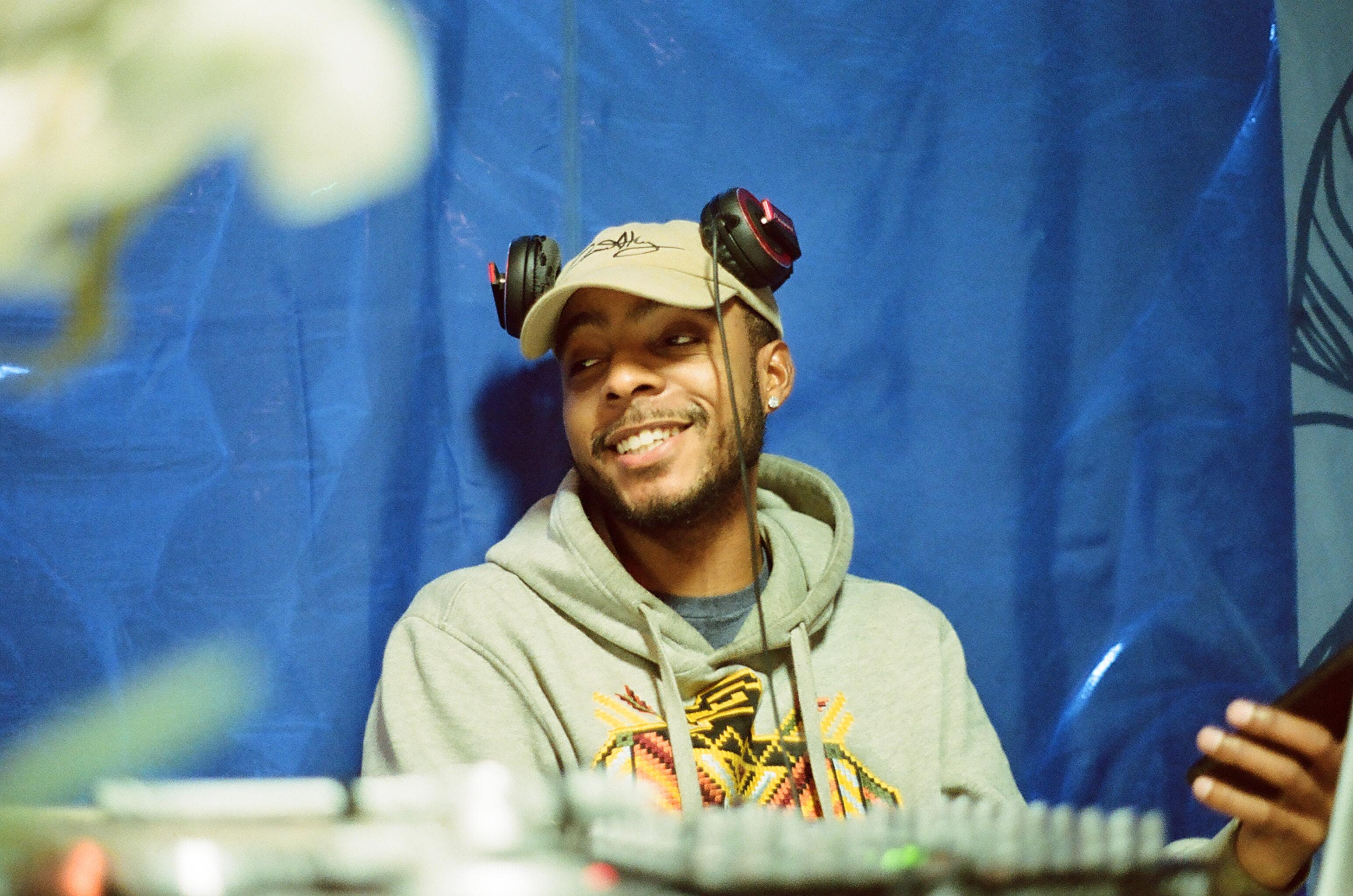 DJ (No Sound System)