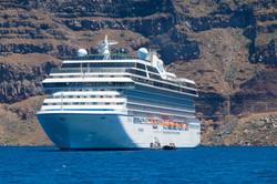 Santorini (10 of 15).jpg