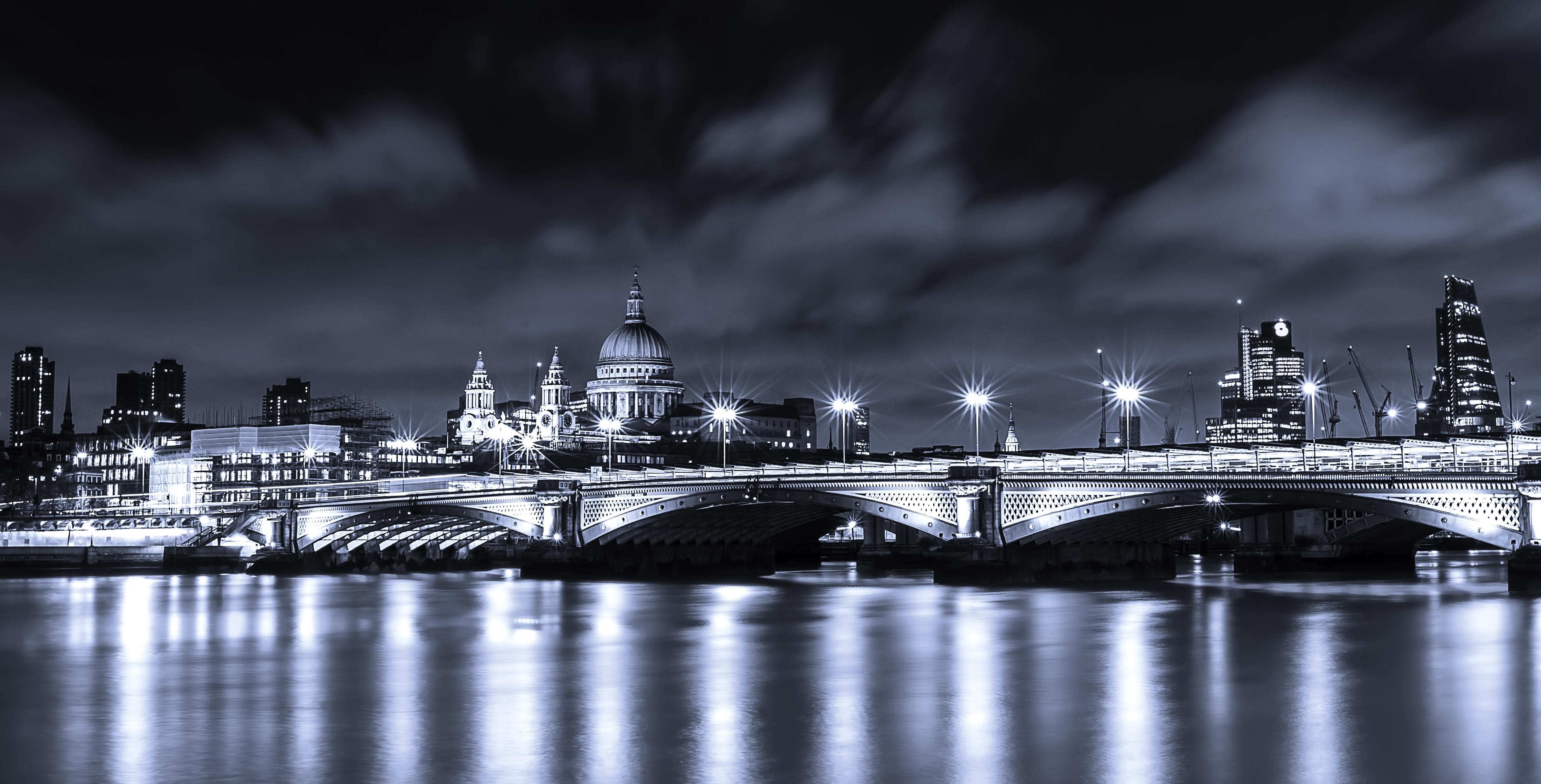 London Night (1 of 1)