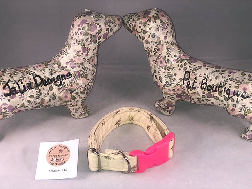 Medium Cream Floral Collar
