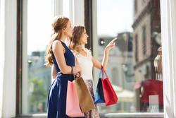 Girls shopping_klein