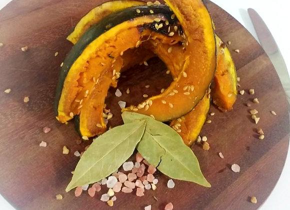 Abóbora assada no óleo de coco com semente de linhaça