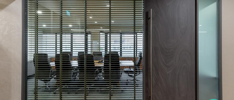 boonsiewdesign_orchardroad_meetingroom.jpg