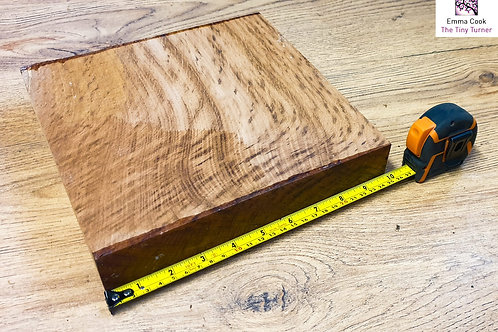 "10"" x 10"" x 1 3/4"" Brown Oak Cross-Grain/Bowl Blank"