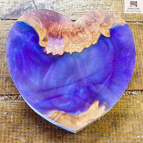 "6"" Wide Resin/Red Mallee Burr Hybrid Heart Blank - Purple/Blue Shimmer"