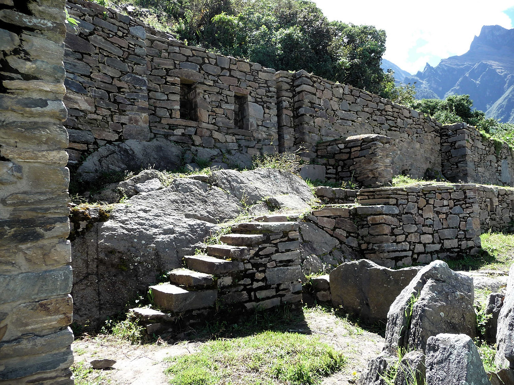 The upper temple group and baths at Choquequirao