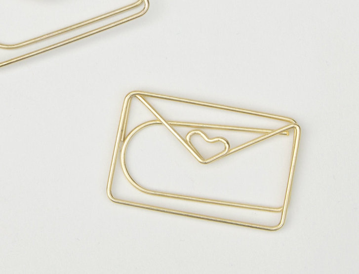 Medium envelop with heart paper clip  - Gold ( set of 4 )