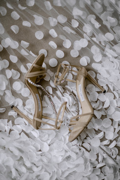 emmyshoots-iscoyd-park-wedding0016.jpg