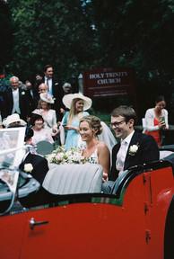 emmy-shoots-film-sussex-wedding-15.jpg