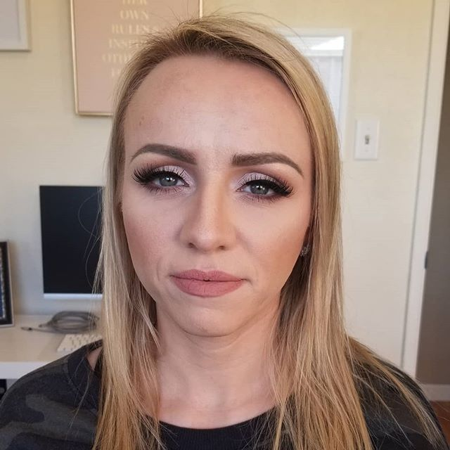 Loving this gorgeous soft glam look for