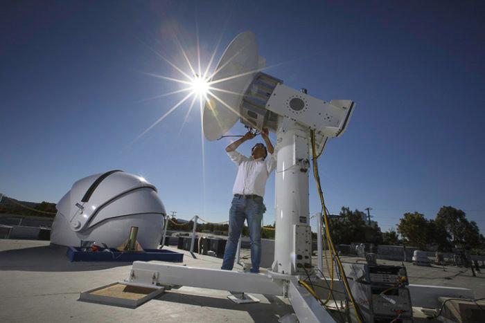 Facebook has set new milestones in Internet data transmission via drones