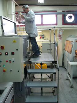 מדרגות למכונה
