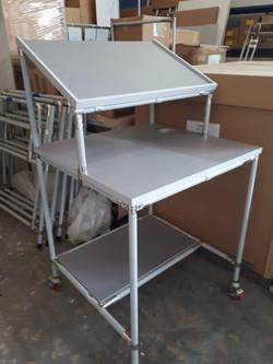 שולחן עבודה נייד למלחימה
