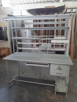 שולחן טכנאי מעבדה