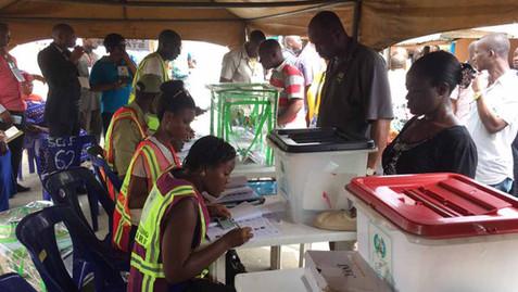 NIGERIA / PRÉSIDENTIELLE 2019 : L'INEC REPORTE LE SCRUTIN AU 23 FÉVRIER
