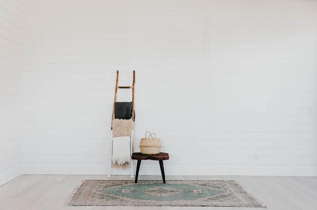 Blankets, ladder, rug, table & basket