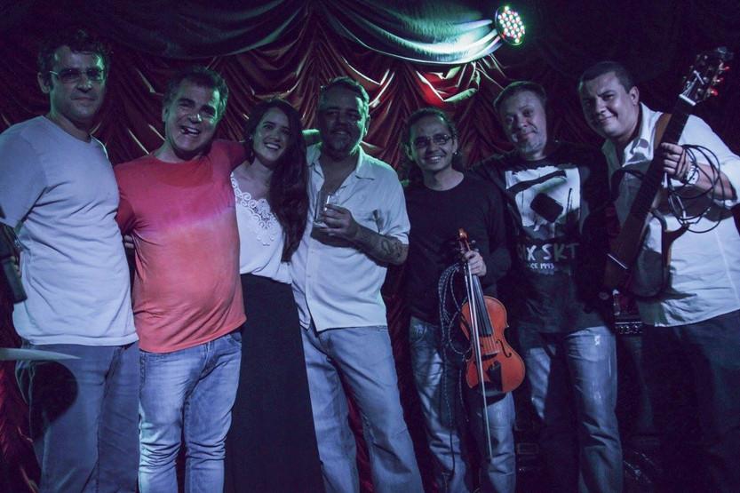 Com artistas de Porto Alegre