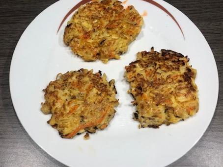 Galettes de pommes de terre et légumes de saison