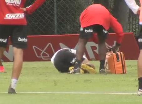 Antony não treina e preocupa São Paulo para sequência de jogos em março