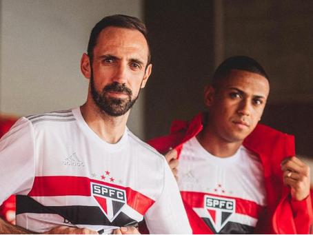 São Paulo apresenta novo uniforme para a temporada 2020/2021, confira